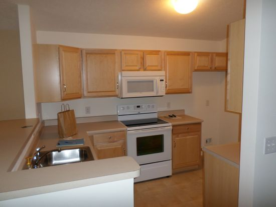8920 Hunters Creek Dr APT 208, Indianapolis, IN 46227