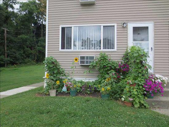 9A Fishkill Glen Dr, Fishkill, NY 12524