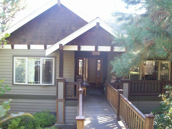220 NW 17th St, Bend, OR 97701