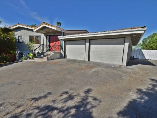 1228 Tower Dr, Vista, CA 92083