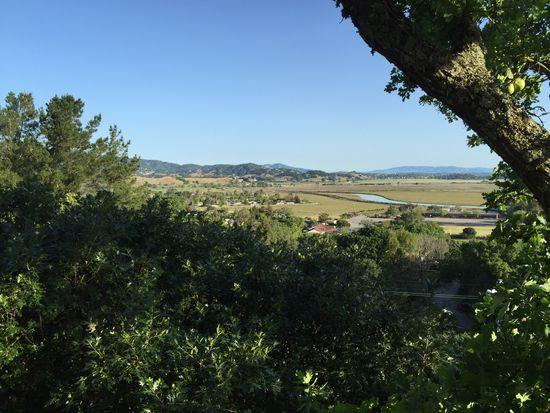 27 Sunny Oaks Dr, San Rafael, CA 94903