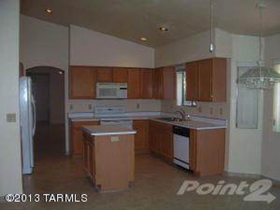 6066 N Serendipity Ln, Tucson, AZ 85704