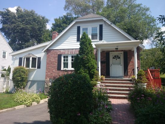 87 Willowdean Ave, Boston, MA 02132