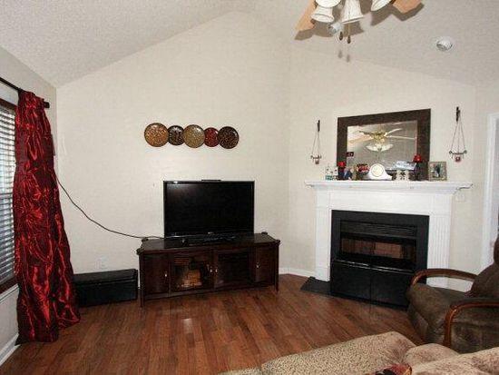 104 Drysdale Ln, Pikeville, NC 27863