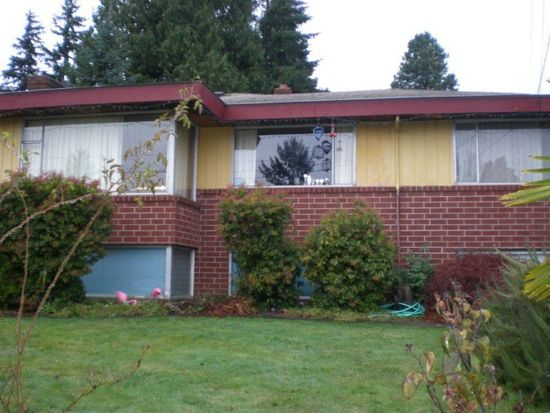 3616 SW 112th St, Seattle, WA 98146