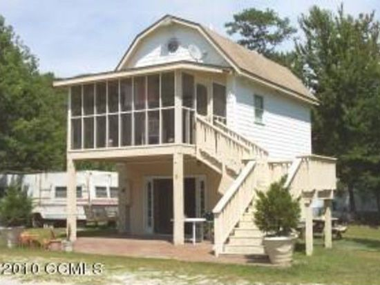 258 Crows Nest Rd, Beaufort, NC 28516