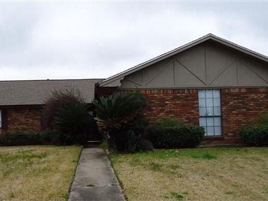 3949 Shadow Bend Ln, Port Arthur, TX 77642
