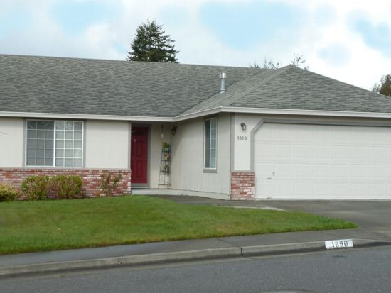 1890 Cottonwood Ave, Mckinleyville, CA 95519