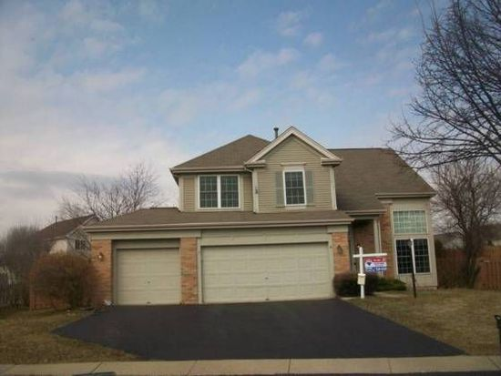 9 Spring Garden Ct, Lake In The Hills, IL 60156