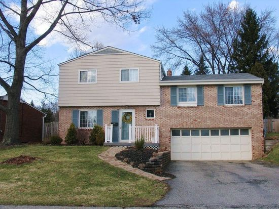 131 Crescent Garden Dr, Pittsburgh, PA 15235