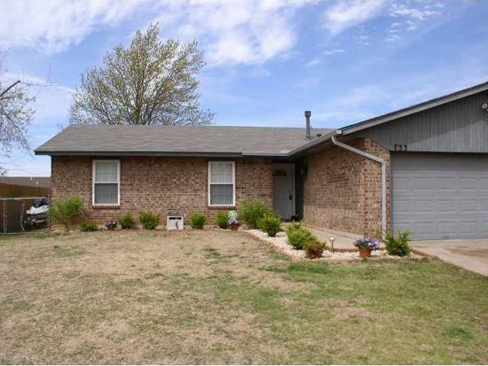 733 Briarwood Dr, Midwest City, OK 73130