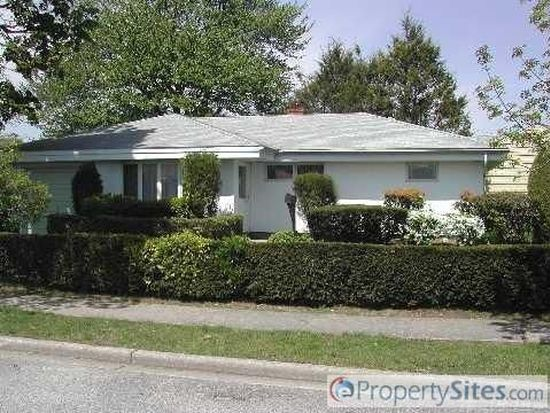 126 King St, Hicksville, NY 11801