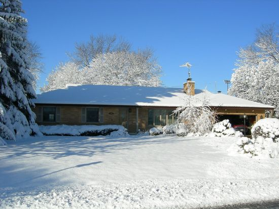304 N Dale Ave, Mount Prospect, IL 60056