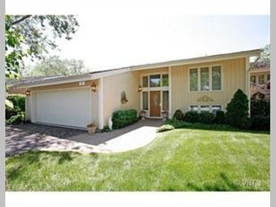 27 Briarwood S, Oak Brook, IL 60523