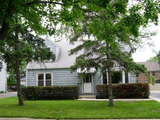 836 S Colfax Ave, Elmhurst, IL 60126