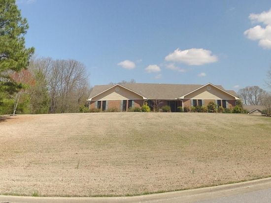 3983 Old Towne Cir, Tupelo, MS 38804