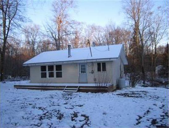 8122 Oak St, Williamsfield, OH 44093