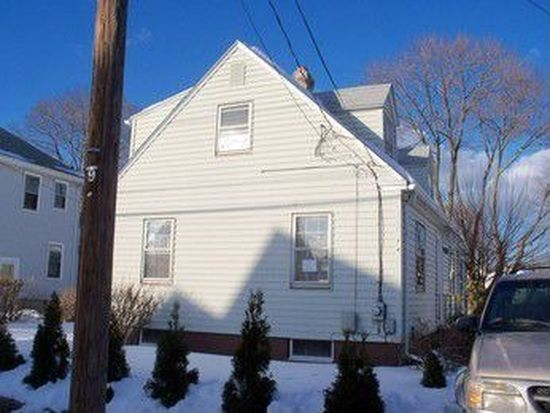 74 Whittier Rd, Pawtucket, RI 02861