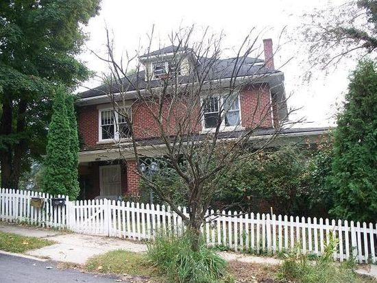 2012 Dearborn Ave, Bluefield, WV 24701