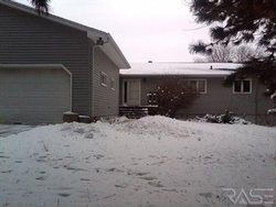 3054 S Amanda Ct, Sioux Falls, SD 57103