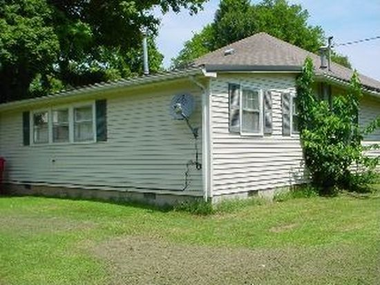 211 Mammoth Cave St, Cave City, KY 42127