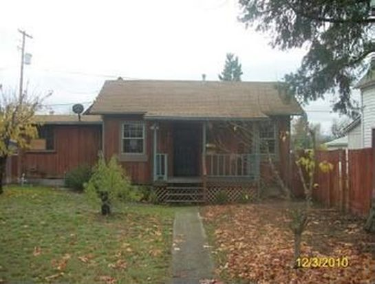 723 SW Burgess St, Grants Pass, OR 97526