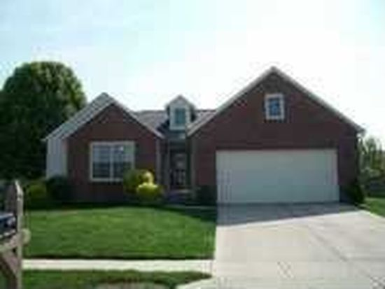 679 Canary Creek Dr, Franklin, IN 46131