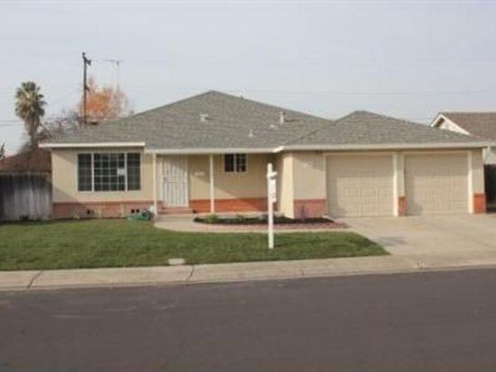 345 Roosevelt Ave, Manteca, CA 95336