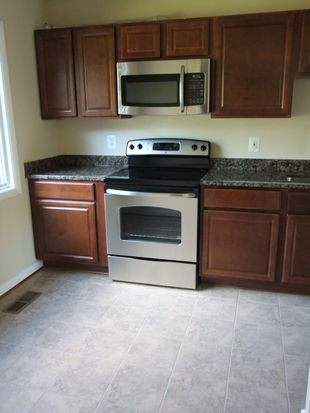 12655 Castile Ct, Woodbridge, VA 22192