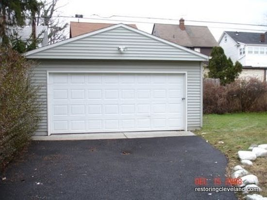 1025 Nela View Rd, Cleveland Heights, OH 44112