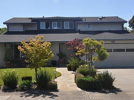 310 Trysail Ct, Foster City, CA 94404