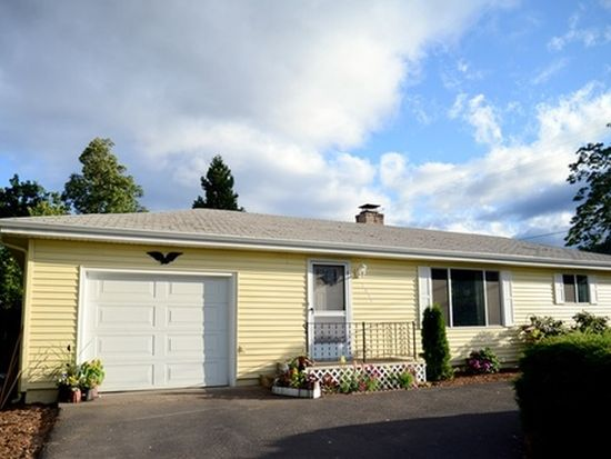 2033 S Stage Rd, Medford, OR 97501