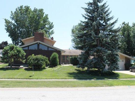 475 Ruskin Cir, Elk Grove Village, IL 60007
