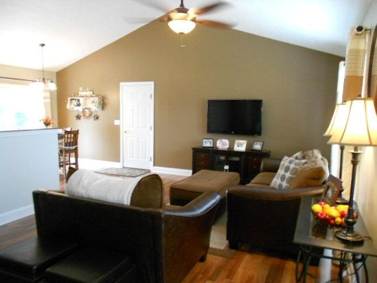 37 N Lincoln St, West Salem, OH 44287