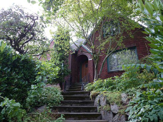1917 N 48th St, Seattle, WA 98103