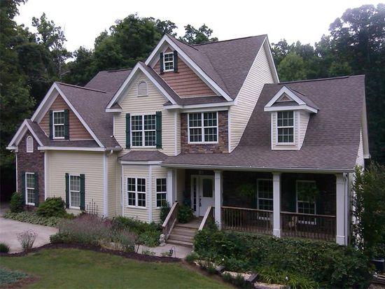 9135 Bay Pointe Dr, Gainesville, GA 30506