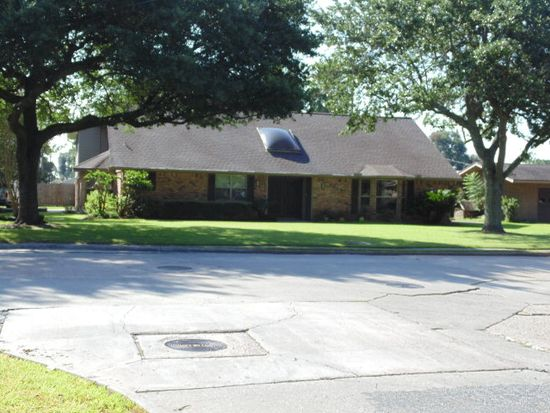 2625 Merriman St, Port Neches, TX 77651