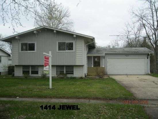 1414 Jewel Ave, Saint Charles, IL 60174