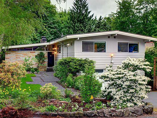 10615 10th Pl NE, Seattle, WA 98125