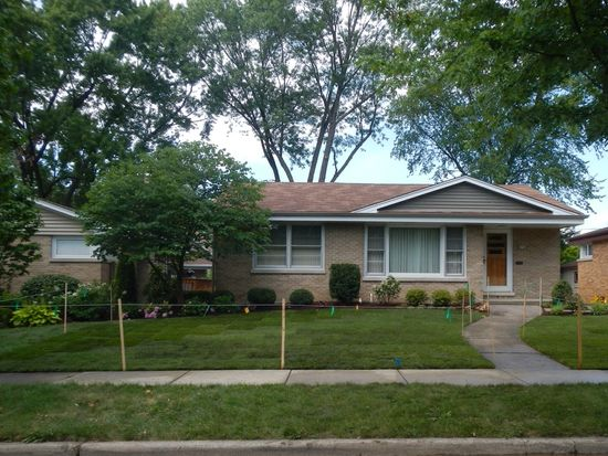 768 S Fairfield Ave, Elmhurst, IL 60126
