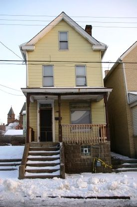 911 Edith St, Duquesne, PA 15110