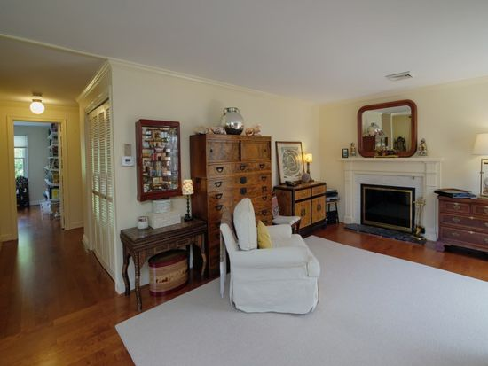 39 Tower Hill Rd APT 1C, Osterville, MA 02655