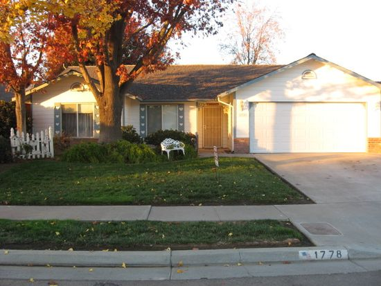 1778 Paradise Ave, Tulare, CA 93274