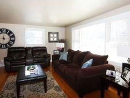 1808 Carroll Ave, Green Bay, WI 54304