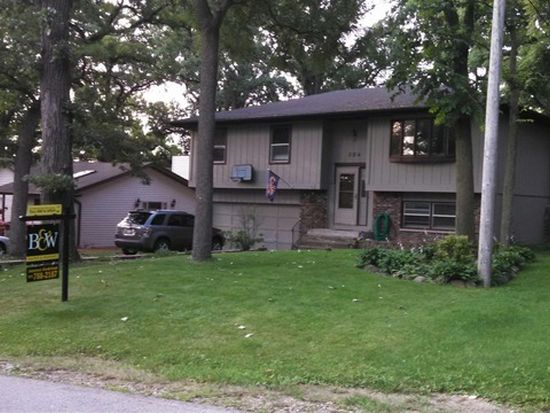 604 Delaware Dr, Lake In The Hills, IL 60156