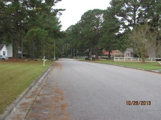 3001 Brunswick Ln, Greenville, NC 27834