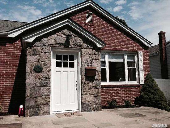 17 Pauchogue Ave, East Islip, NY 11730