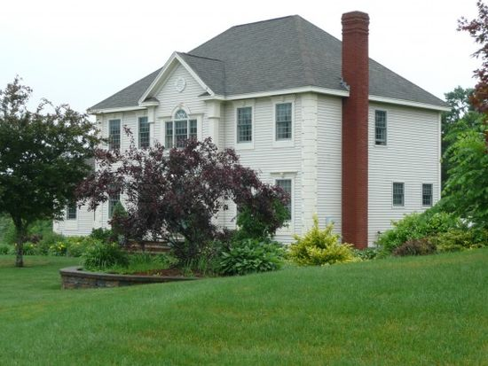 13 Premier Dr, Londonderry, NH 03053