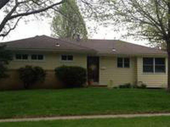 621 32nd St, West Des Moines, IA 50265