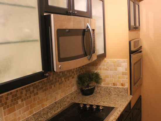 10 Smith Manor Blvd APT 717, West Orange, NJ 07052